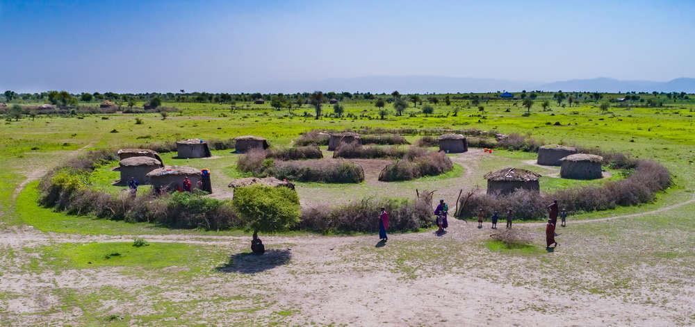 """""""Boma"""" Masaï de la Zone de Conservation du Ngorongoro"""